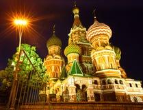 Catedral das manjericões do St no quadrado vermelho em Moscovo Fotografia de Stock
