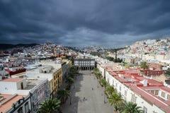从Catedral de圣安娜,拉斯帕尔马斯de大加那利岛,大加那利岛,西班牙的看法 免版税库存图片