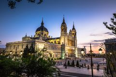 Catedral de Λα almudena de Μαδρίτη, Ισπανία Στοκ εικόνα με δικαίωμα ελεύθερης χρήσης