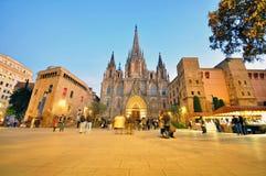 Catedral de Barcelona en la noche Fotos de archivo