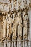 Catedral de Chartres, estatuas en el pórtico fotografía de archivo