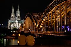 Catedral de Colónia na noite Imagens de Stock