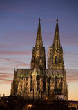 Catedral de Colonia en la puesta del sol Fotos de archivo