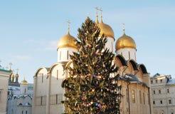 Catedral de Dormition de Moscú el Kremlin Foto de color Imagen de archivo