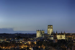 Catedral de Durham por crepúsculo Imagen de archivo libre de regalías