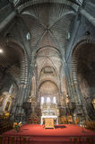 Catedral de Embrun, interior: el altar Foto de archivo