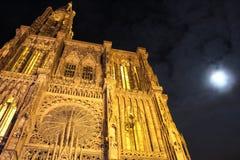 Catedral de Estrasburgo en el claro de luna fotos de archivo libres de regalías