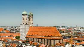 A catedral de Frauenkirche ou de Munich é uma igreja na cidade bávara de Munich, Alemanha Foto de Stock