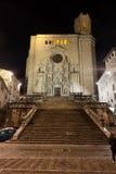 Catedral de Girona en la noche imagen de archivo libre de regalías