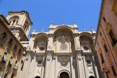 Catedral de Granada (catedral de la encarnación) en estilo gótico y español del renacimiento imagenes de archivo