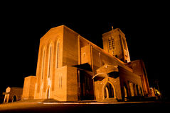Catedral de Guildford en la noche Imagen de archivo libre de regalías