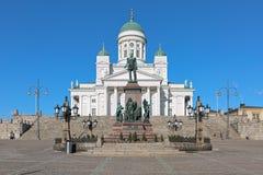 Catedral de Helsínquia e estátua do imperador Alexander II, Finlandia Imagens de Stock Royalty Free