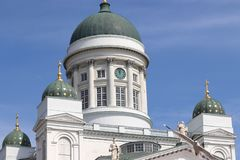 Catedral de Helsínquia em Finlandia no feriado fotos de stock