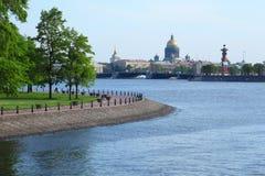 Catedral de Isaac, coluna Rostral, ponte do palácio fotos de stock royalty free