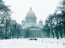 Catedral de Isaac en el invierno imagen de archivo libre de regalías