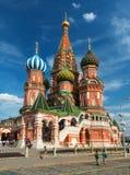 Catedral de la albahaca del santo en la Plaza Roja en Moscú, Rusia fotografía de archivo