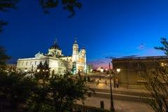 Catedral de la almudena de Madrid, Spanien Arkivbilder
