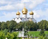 Catedral de la asunción en Yaroslavl Imagenes de archivo