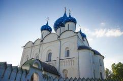Catedral de la natividad en Suzdal el Kremlin Fotos de archivo