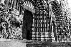 Catedral de Lorenzo del santo en Génova Italia Imagen de archivo libre de regalías