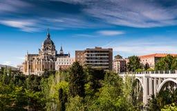 Catedral De Los angeles Almudena, Madryt - Zdjęcie Royalty Free
