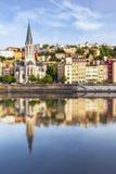 Catedral de Lyon con relflet en Soane Imagen de archivo libre de regalías