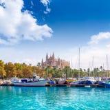 Catedral de Majorca del puerto deportivo del puerto de Palma de Mallorca Fotos de archivo libres de regalías