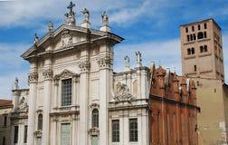 A catedral de Mantova imagem de stock royalty free