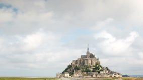 Catedral de Miguel del santo de Mont en Francia metrajes