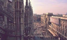 Catedral de Milán y de la calle Imagenes de archivo