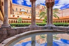 Catedral de Monreale, Palermo em Sicília fotografia de stock