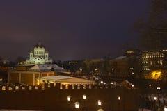 Catedral de Moscú de Cristo el salvador y el Kremlin Imagen de archivo