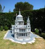 Catedral de Saint Paul no parque temático 'Itália na miniatura 'Italia no miniatura Viserba, Rimini, Itália imagens de stock