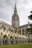 Catedral de Salisbúria, catedral anglicana em Salisbúria, Inglaterra fotografia de stock royalty free