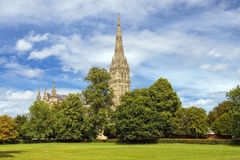 Catedral de Salisbúria em Inglaterra foto de stock