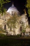 Catedral de San Pablo en la noche Fotografía de archivo