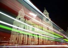 Catedral de San Pablo en la noche Foto de archivo libre de regalías