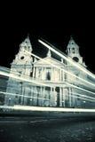 Catedral de San Pablo en la noche Imagen de archivo libre de regalías