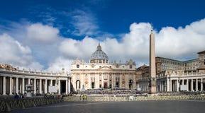 Catedral de San Pedro en el Vaticano Imagen de archivo libre de regalías