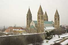 Catedral de San Pedro en Pécs. Fotos de archivo