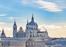 Catedral de Santa Maria la Real de La Almudena imagen de archivo