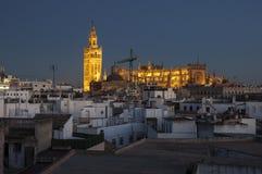 Catedral de Sevilha no por do sol imagens de stock royalty free