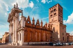 Catedral de Sordello San Pedro de la plaza - destinos italianos del viaje - Mantua Italia Fotografía de archivo libre de regalías