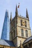 Catedral de Southwark e o estilhaço em Londres Imagens de Stock