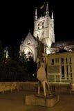 Catedral de Southwark na noite fotografia de stock royalty free