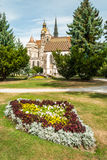 Catedral de St. Elizabeth com jardim Imagens de Stock Royalty Free