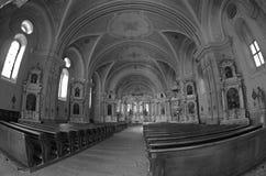Catedral de Sumuleu en Transilvania - monocromo Imagenes de archivo