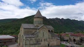 A catedral de Svetitskhoveli é uma catedral da igreja de Geórgia vídeos de arquivo