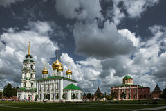 Catedral de Uspensky e a torre de Tula Kremlin Foto de Stock