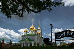 Catedral de Uspensky y la torre de Tula Kremlin Foto de archivo libre de regalías